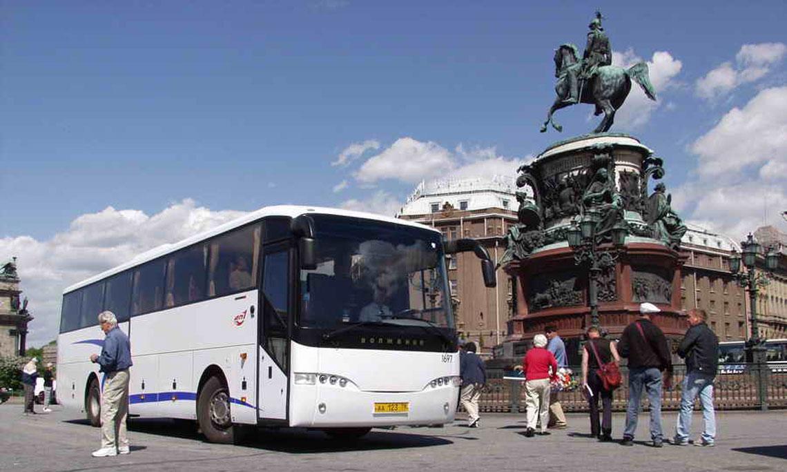 Аренда автобуса с водителем для экскурсии в СПб