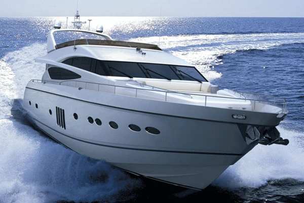 Yachts and boats rental