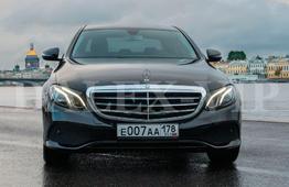 Аренда Мерседес E класса W 213 2016 с водителем в Санкт-Петербурге