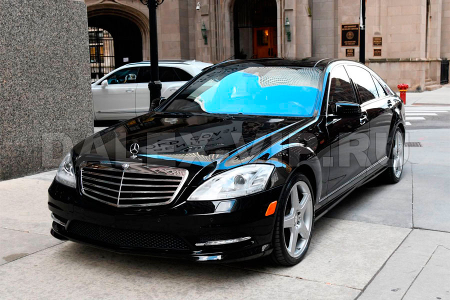 Mercedes S-Class W221 Rent A Car with driver in St Petersburg