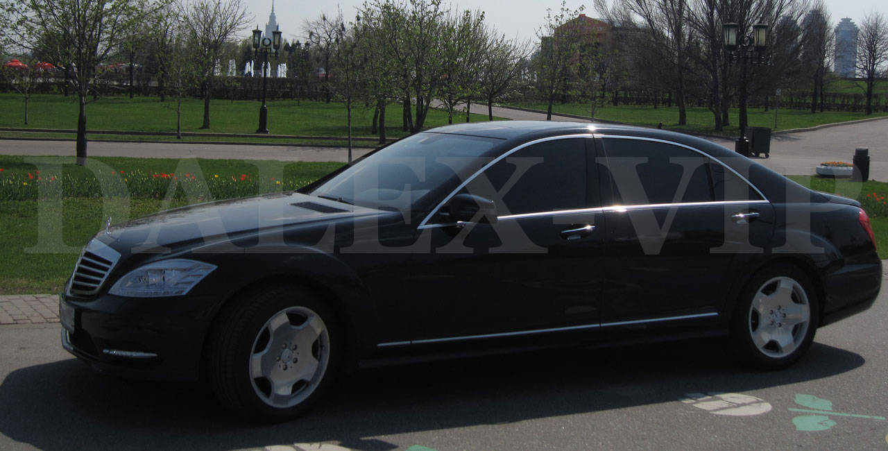 Mercedes S-Class W221 Rent A Car St Petersurg