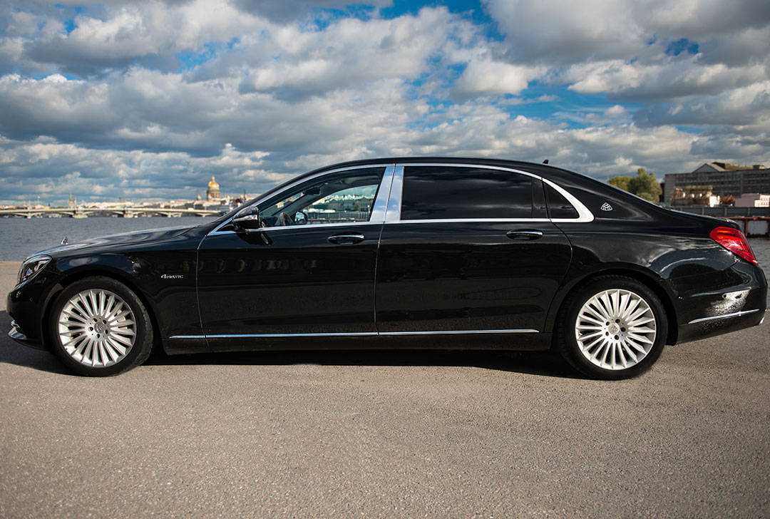 Mercedes_Benz_Maybach_S_Class_OOT_3